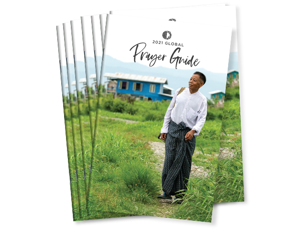 Global Prayer Guide 2021 (Pack of 10)